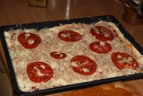 pizza cu ton gata de bagat la cuptor