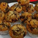 Muffin cu ciocolata, stafide si nuci