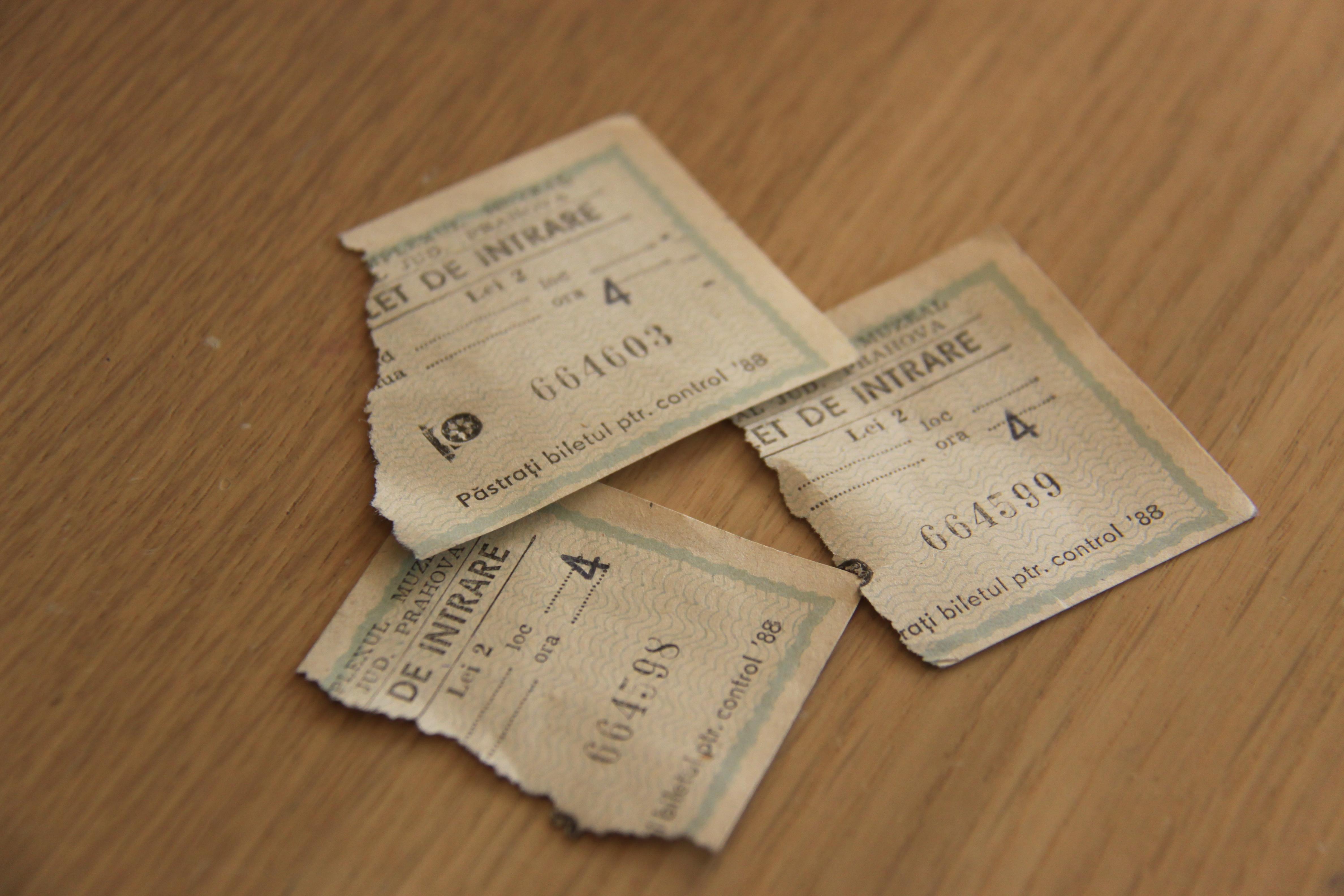Piesa de muzeu: bilete de intrare in… muzeu